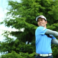 どうしてそこに手が収まるの? 2015年 長嶋茂雄 INVITATIONAL セガサミーカップゴルフトーナメント 初日 リャン・ウェンチョン