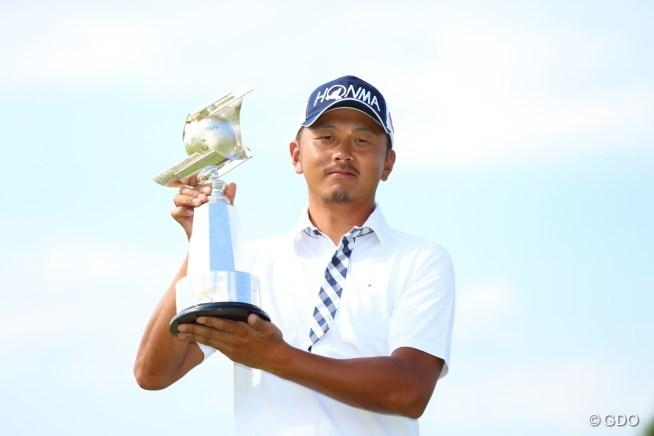 岩田寛が逆転で今季初勝利!22歳の今平周吾2位