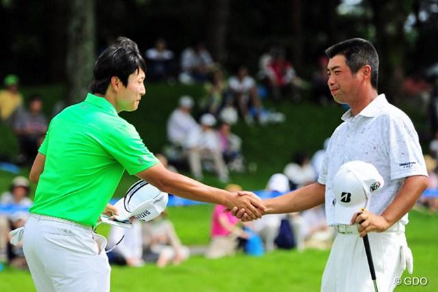 2015年 ミュゼプラチナムオープンゴルフトーナメント 最終日 キム・キョンテ、池田勇太 健闘をたたえ合って握手する両者ですが、ユータさんの顔に悔しさがにじみ出ております。全英でリベンジ願いま~す!