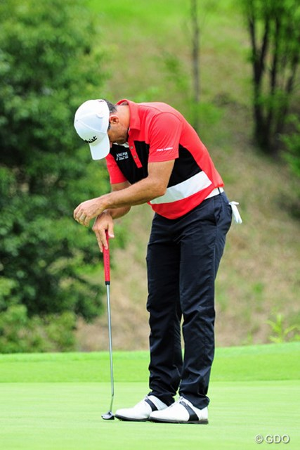 2015年 ミュゼプラチナムオープンゴルフトーナメント 最終日 マイケル・ヘンドリー バーディパットを外して、この世の終わりのように肩を落としております。このコースで最終日に2オーバーでは…。10位タイ