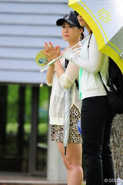 2015年 ミュゼプラチナムオープンゴルフトーナメント 最終日 古閑美保 期待通り(?)小平君の組に登場してくれました~!「カメラ恐怖症になりそう」とおしゃっておられましたです!29位タイ