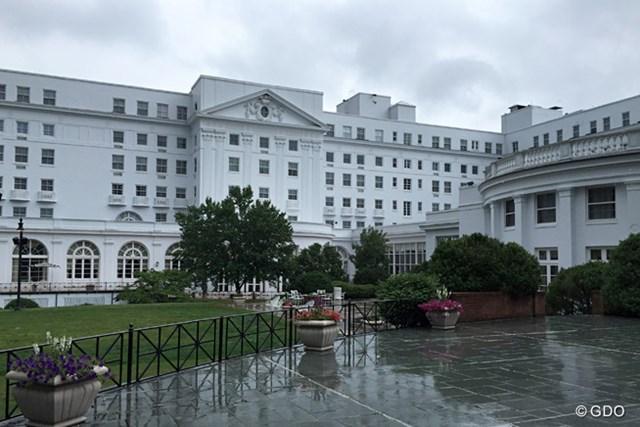 巨大なリゾートホテルの地下に、国家機密が隠されていた