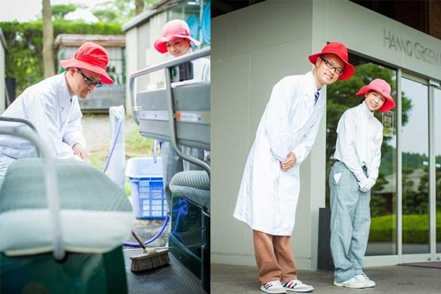 S吉キャディさん編2_P2_4章 (左)使用後のカート清掃など体力仕事も多い/(右)笑顔でお客様をお見送り。また来たいと思ってもらえるよう最善を尽くす