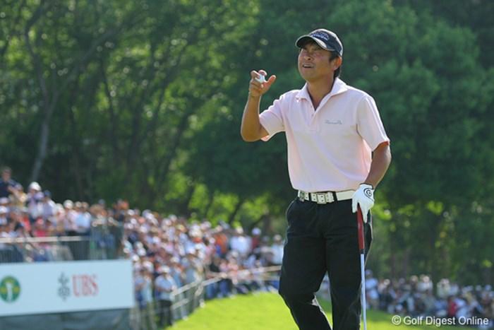 最終ホールのパーセーブで安堵の表情をみせる五十嵐 UBS日本ゴルフツアー選手権 宍戸ヒルズ 最終日 五十嵐雄二