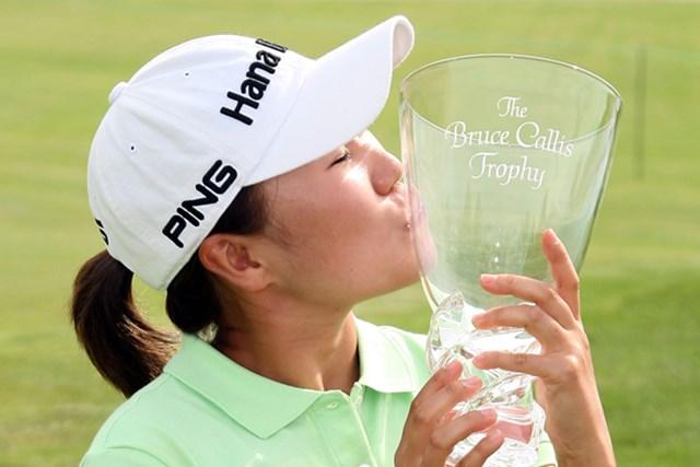 2009年 LPGAステートファームクラシック 最終日 I-K.キム 熾烈なバーディ合戦を制し、今シーズン初勝利を飾ったI-K.キム(Christian Petersen /Getty Images)