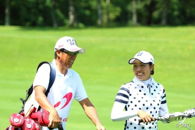 前週は師匠・芹澤信雄とともにラウンドし、ツアー初優勝を手にした西山ゆかり
