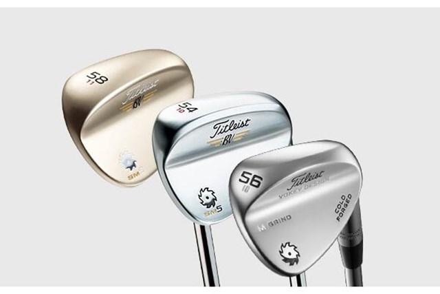 タイトリストの『ボーケイ』ウェッジは、グローバルモデル『SM5』の他に日本オリジナルの『コールドフォージド』(右端)も用意。ロフト、バウンスの種類も豊富で、様々なタイプのゴルファーに対応