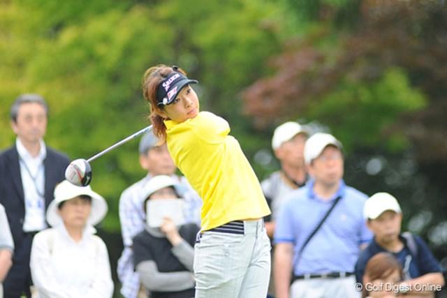 プロとして初めて首位に立った新人の森田理香子