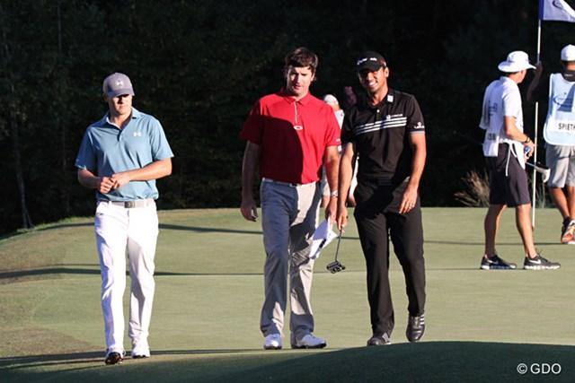 PGAツアーで自身初の2試合連続予選落ち。ジョーダン・スピース(左)が突如苦しみ始めた