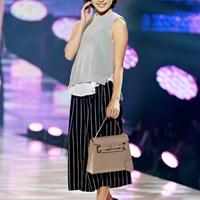初めてのファッションショーデビューを果たした藤田美里(提供:神戸コレクション2015) 2015年 ワンライフモデルオーディション 藤田美里