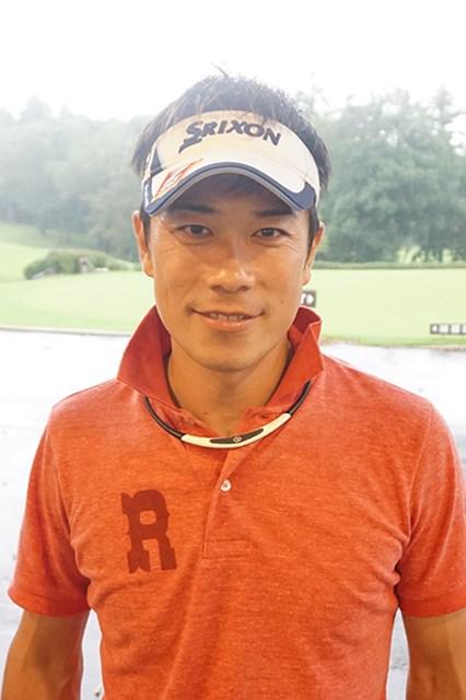 7ホールのプレーオフを制し、角田博満はホッと笑顔を見せた