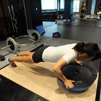 4-2.腕立ても不安定な要素を取り入れると体幹を鍛える効果がある 2015年 日本女子プロ選手権コニカミノルタ杯 最終日 テレサ・ルー