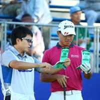 じゃあ今日は3ページを開いて。 2015年 ANAオープンゴルフトーナメント 初日 呉阿順