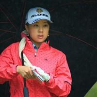 今日は朝一から大雨 2015年 ミヤギテレビ杯ダンロップ女子オープン 2日目 大津くるみ