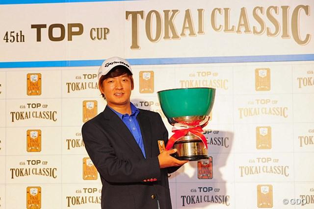 昨年大会を制したのは日本ツアー初優勝のキム・スンヒョグだった