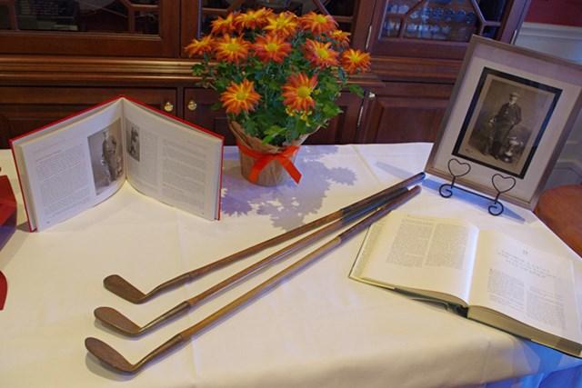 ランプトンゴルフクラブに展示されたジョージ・シーモア・リオン、記念の品々