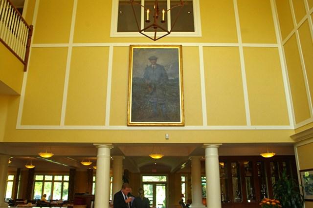 ランプトンゴルフクラブのロビー正面に飾られたジョージ・シーモア・リオンの肖像