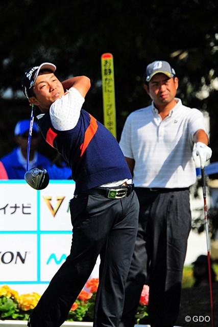 2015年 マイナビABCチャンピオンシップゴルフトーナメント 初日 稲森佑貴 先週の好調キープ!ユータ先輩の視線も気にせずマン振りしてます。