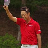 室田淳を2打差振り切って、渡辺司が2年ぶりの通算5勝目を手にした 2015年 富士フイルムシニアチャンピオンシップ 最終日 渡辺司