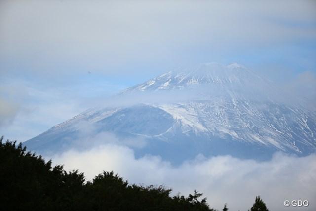 2015年 三井住友VISA太平洋マスターズ 初日 富士山 チラッ