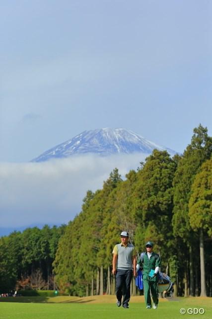 2015年 三井住友VISA太平洋マスターズ 2日目 谷原秀人 富士山が見てます。がんばりましょう。