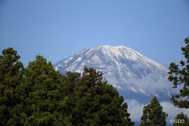 2015年 三井住友VISA太平洋マスターズ 2日目 富士山 朝の富士山はクリアで綺麗だった
