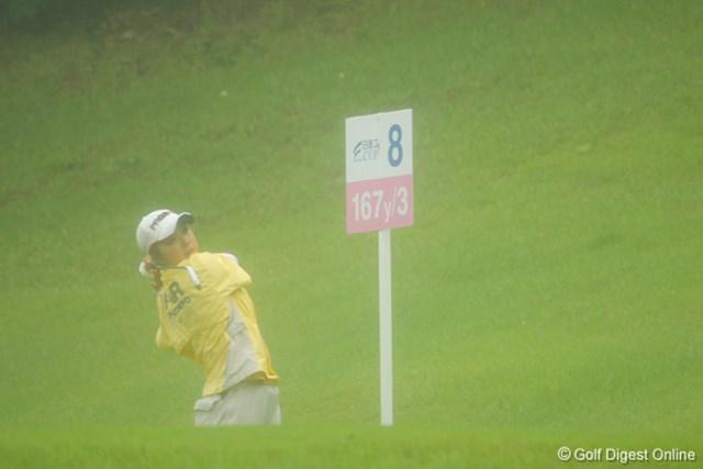 9位タイの菊池絵理香。雨でレンズも霞みます