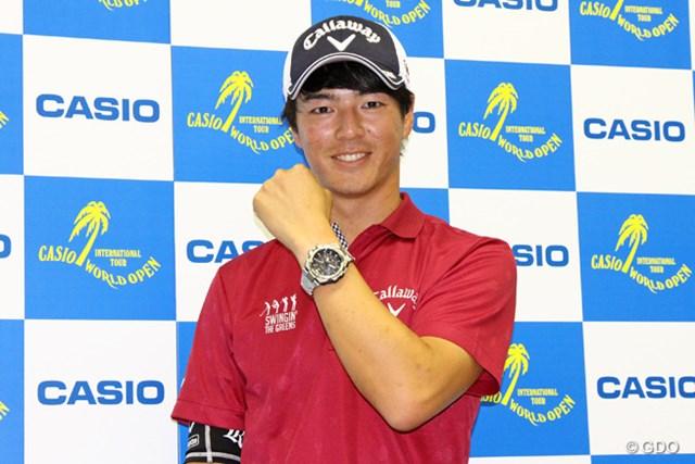 石川遼はカシオ計算機と2年間の契約延長へ。オウンネーム入りの腕時計が贈られた