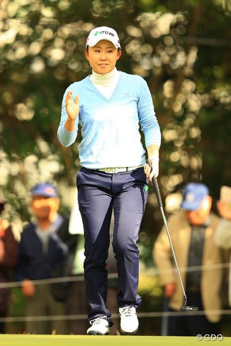 この日唯一の60台をマークした前田陽子が首位発進を決めた 2015年 LPGAツアー選手権リコーカップ 初日 前田陽子