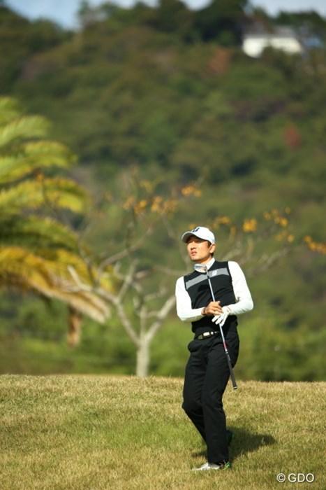 シニアっぽい雰囲気のポーズ 2015年 カシオワールドオープンゴルフトーナメント 初日 K.T.ゴン