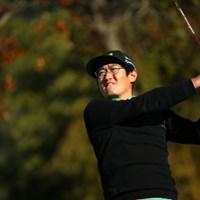韓国人選手ってみんな女性に人気でファンをよく見るけれど、彼の場合、あまり見た事がないかも。 2015年 カシオワールドオープンゴルフトーナメント 初日 ジャン・ドンキュ