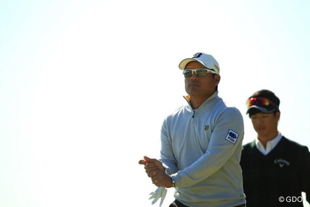 2015年 カシオワールドオープンゴルフトーナメント 2日目 宮里優作 このグリップに収まるのはクラブか竿か。