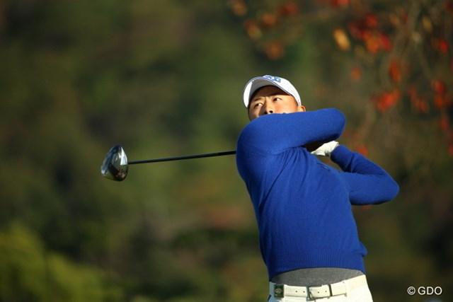 2015年 カシオワールドオープンゴルフトーナメント 2日目 小平智 おかしいなぁ。どんなに頑張っても未来夢ほどお腹でないぞ!