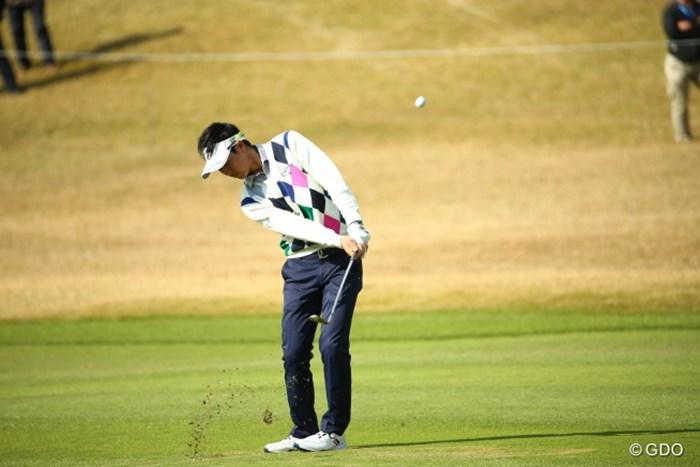 アドレスした形を崩さない基本中の基本アプローチ。 2015年 カシオワールドオープンゴルフトーナメント 3日目 石川遼
