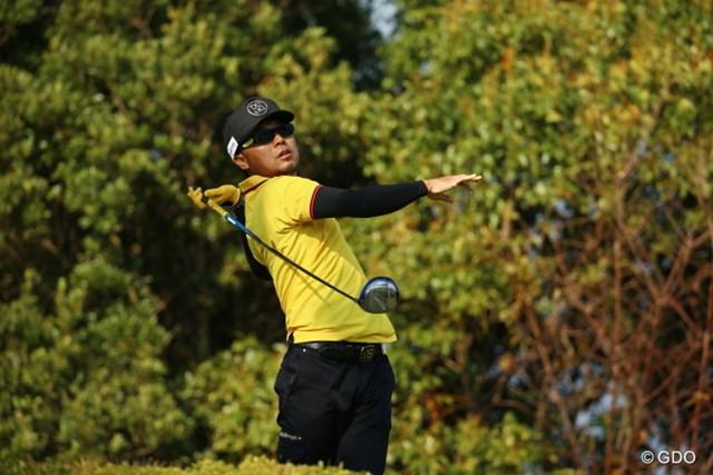 2015年 カシオワールドオープンゴルフトーナメント 3日目 片山晋呉 16番の打ち下ろし、大きく左に曲げちゃった。