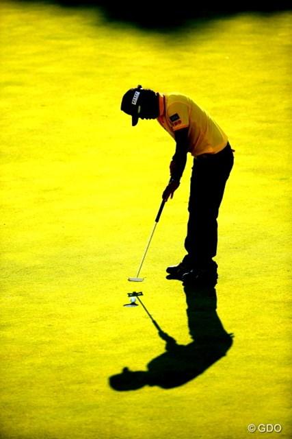 2015年 カシオワールドオープンゴルフトーナメント 3日目 片山晋呉 カップイン寸前。