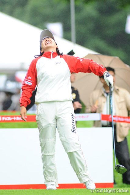 2009年 明治チョコレートカップ 初日 西川藍 トップタイ発進で大爆笑?ともかくびっくりすろほどマン笑いです!