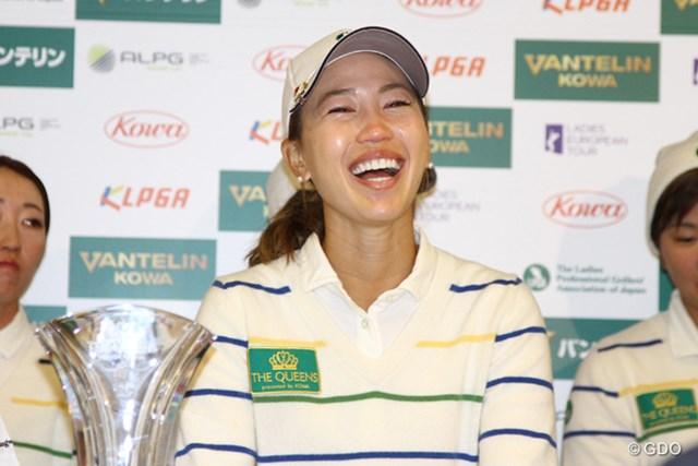 優勝会見で泣き笑い。キャプテンの重責を最高の形で果たした上田桃子