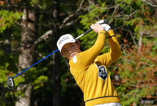 2015年 LPGA新人戦 加賀電子カップ 初日 辻梨恵 来季のツアー出場権をほぼ手中に収めた辻梨恵は6バーディ、3ボギーの「69」でプレー。3アンダー4位につけた。