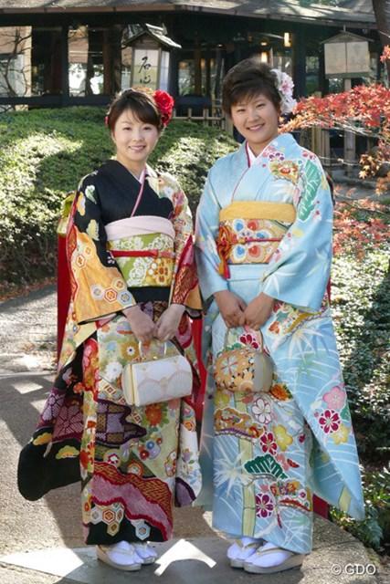 菊地絵理香(左)&成田美寿々