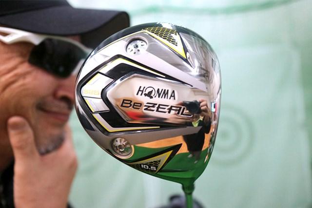 """""""熱意系""""のアベレージゴルファーに向けた新ブランド。『本間ゴルフ Be ZEAL 525 ドライバー』をマーク金井が徹底検証"""