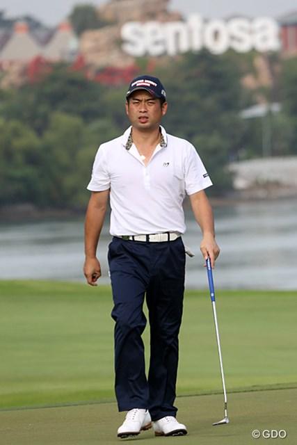 ノータックのスリムなパンツでシーズンイン。池田勇太は悲願の賞金王へ