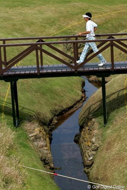 2009年 全英オープン初日 橋 タイガーとウェストウッドはこのクリークに入れてしまった。