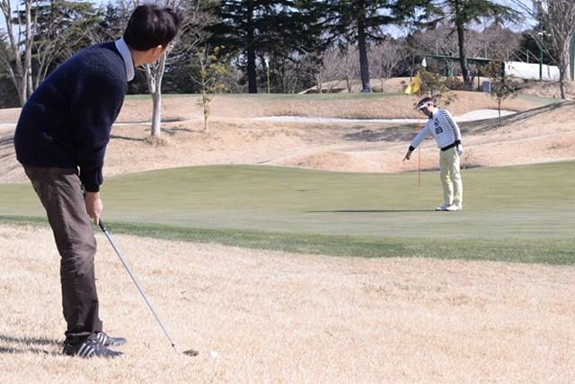 カレドニアン・ゴルフクラブ後編_1_8 グリーンの右奥からのアプローチ。大本プロからの指示通り、寄せワン圏内におさめたが……