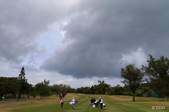 2016年 ダイキンオーキッドレディスゴルフトーナメント 2日目 琉球GC 明日は1日雨らしい