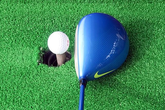 ほどよくディープでオーソドックスな丸型ヘッド。スクエアフェースで構えやすく、自然なフェースターンで球をつかまえやすい