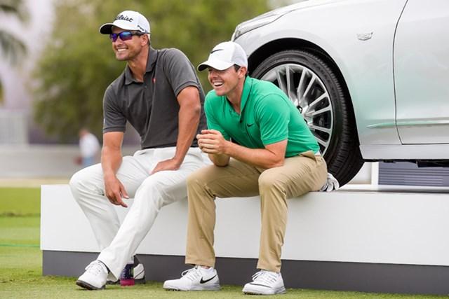 2週連続優勝で世界ランクを6位としたスコット(左)とマキロイ(Stan Badz/Getty Images)
