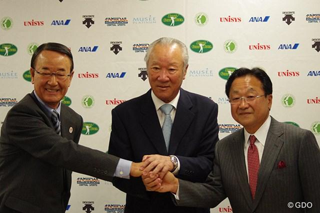 倉本昌弘PGA会長(写真右)は青木功JGTO会長(同中央)、松井功・同副会長(同左)を表敬訪問した