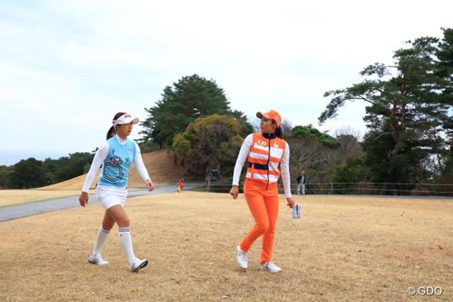 2016年 ヨコハマタイヤゴルフトーナメント PRGRレディスカップ 最終日 イ・ボミ キム・ハヌル プライベートではこの2人、仲良しなのかな?