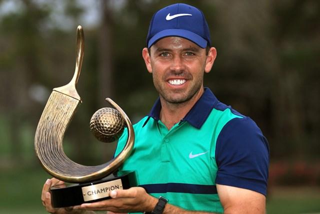 ハースとのプレーオフを制して逆転優勝を飾ったシュワルツェル(Sam Greenwood/Getty Images)
